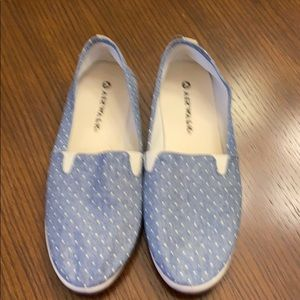 Air walk women's slip one's. Only worn a few times